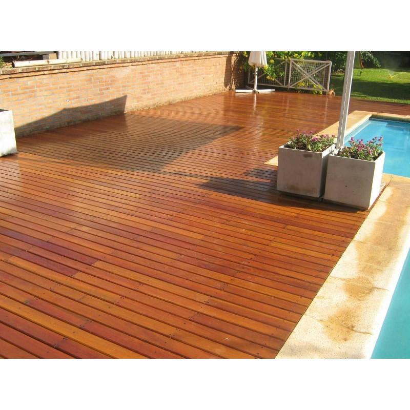 Barniz satinado e incoloro para madera en exterior e interior for Pisos exteriores modernos